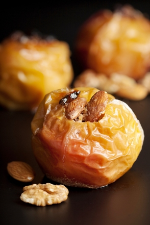 Halloween recipe Baked Apples-recipe from Super Body, Super Brain-Chapter 3. Image bigstockphoto