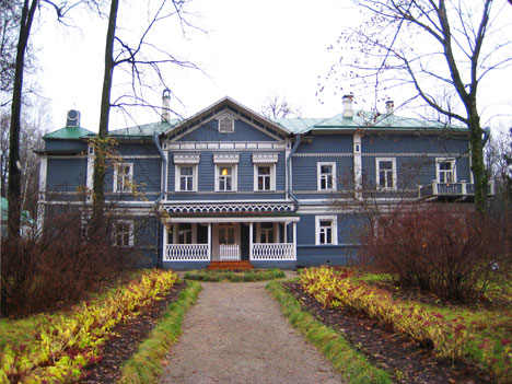 tchaikovsky home where he used to walk for two hours to help him compose better