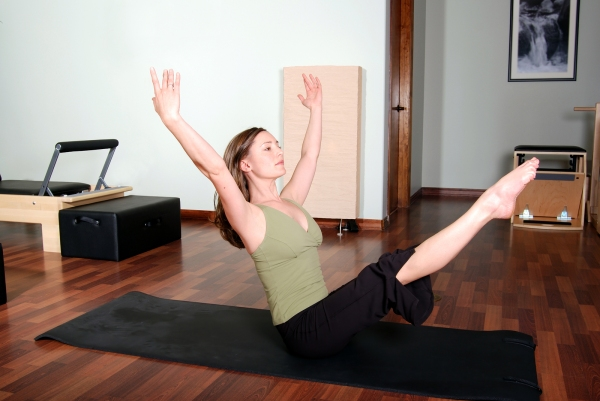 Lori Pilates Instructor tries the program